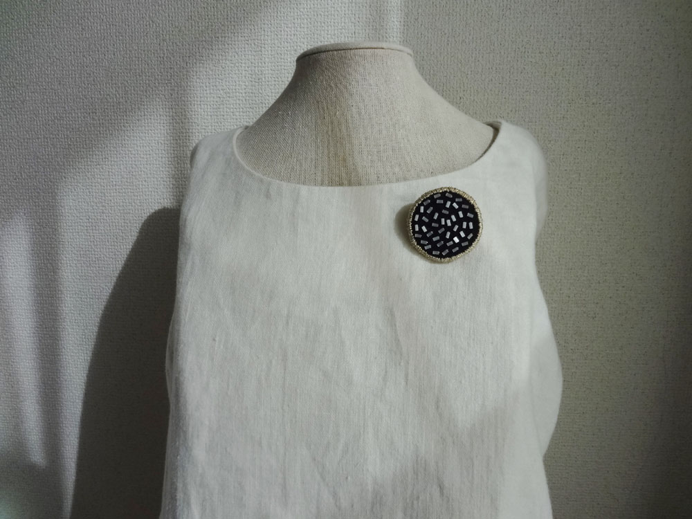 画像3: 縁どり刺繍ブローチ・1