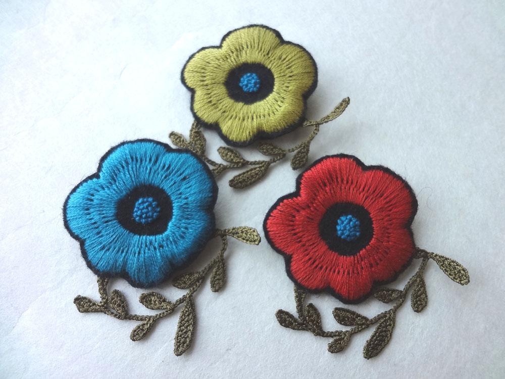 画像1: 刺繍フラワーブローチ  花びら