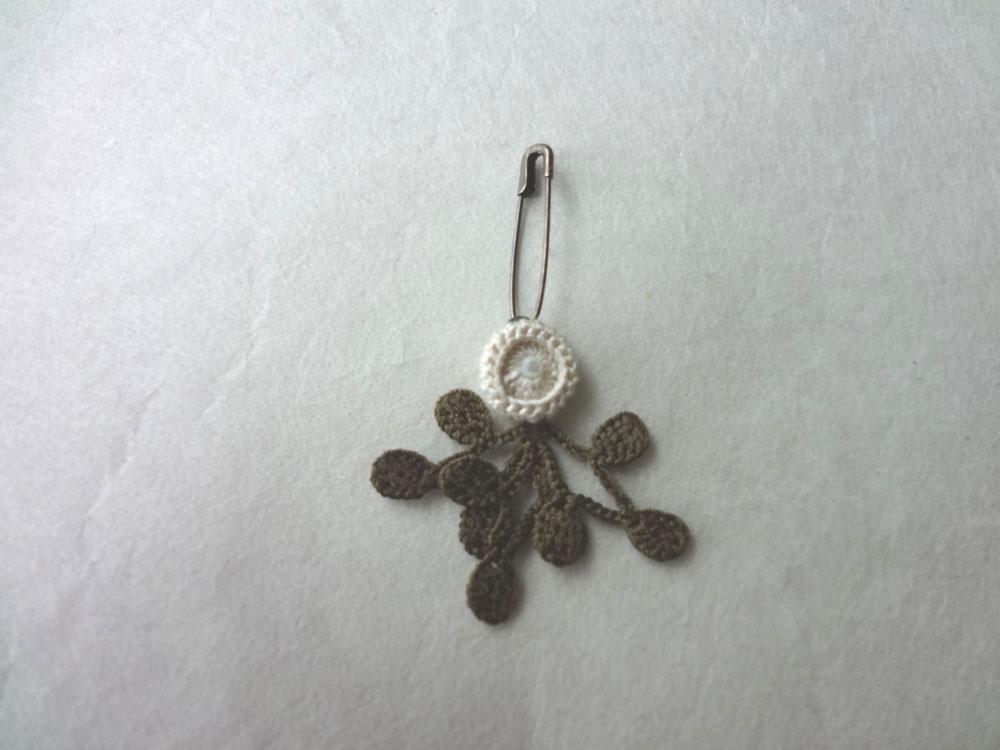 画像3: 丸花・10  シルク糸編みブローチ 丸花