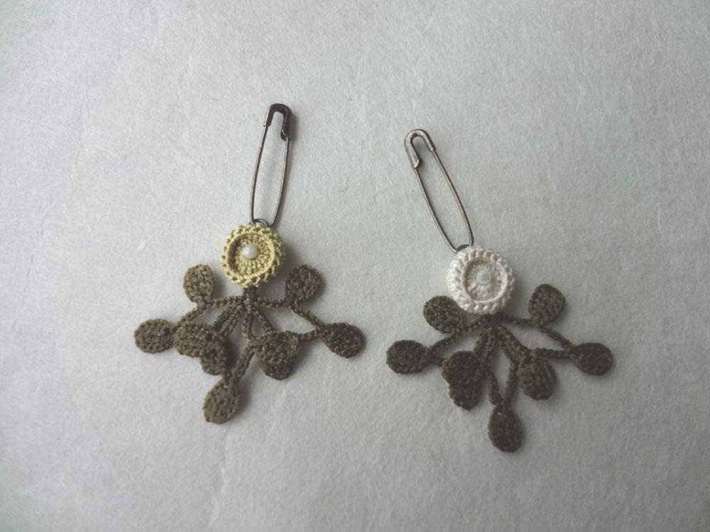 画像1: 丸花・10  シルク糸編みブローチ 丸花